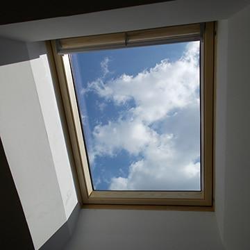 Pose et installation d'une fenêtre de toit Velux à Poitiers